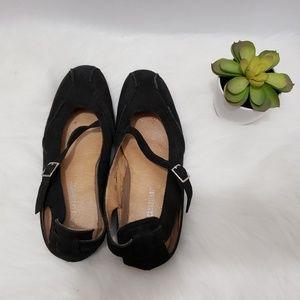 La CANADIENNE Suede shoes size 38